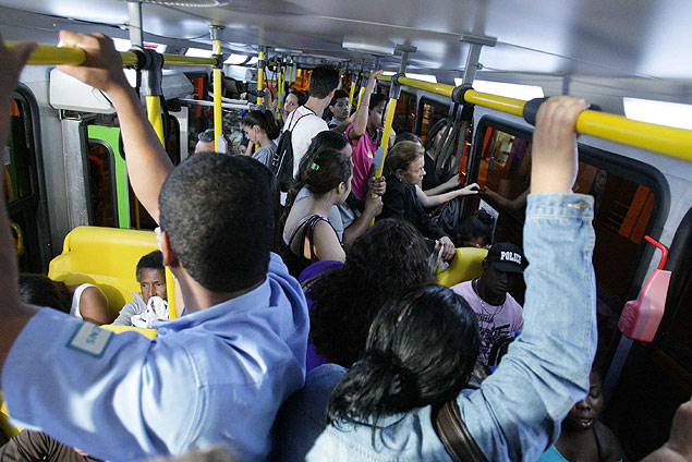 Estado de SP vai obrigar uso de máscara em ônibus, trens e metrôs