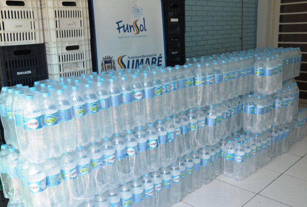 Fundo Social de Sumaré recebe doação de 900 litros de água da Coca-Cola FEMSA Brasil