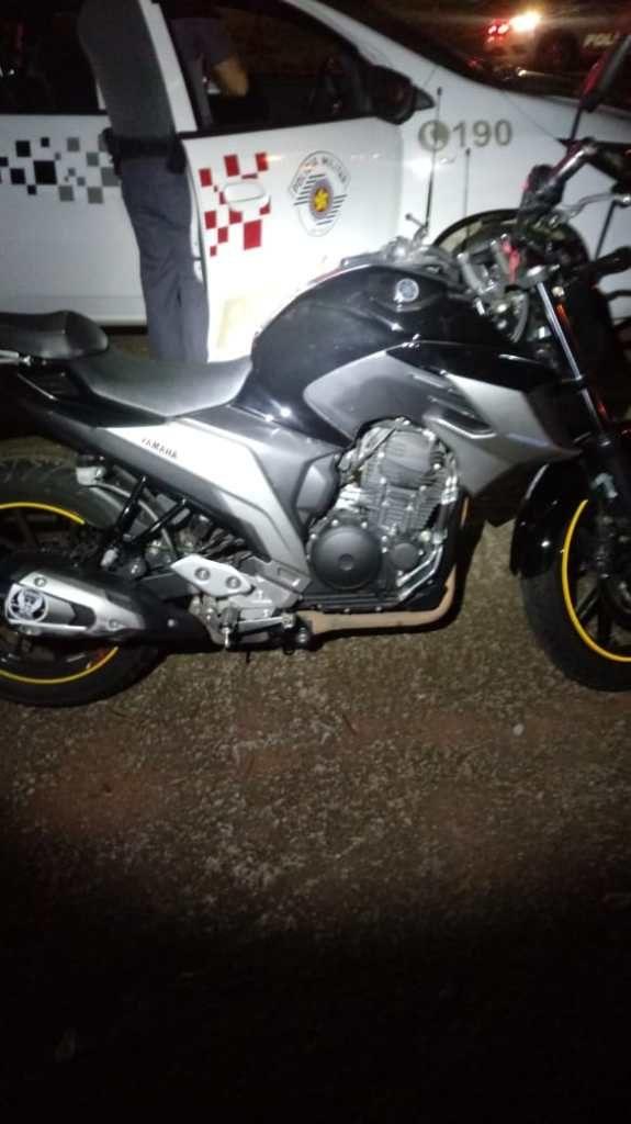 Dois homens roubam moto em frente do Hospital de Sumaré