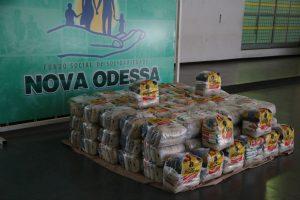 Supermercado São Vicente doa 100 cestas básicas para o Fundo Social de Solidariedade
