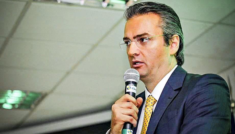 Bolsonaro nomeia delegado Rolando de Souza para a direção-geral da Polícia Federal