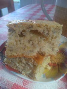 Um delicioso e saudável bolo com frutas para o seu lanche da tarde