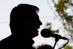 """Bolsonaro diz que 2ª onda de Covid-19 é """"conversinha"""""""