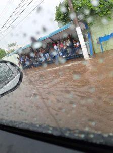 Chuva provoca alagamentos em Sumaré