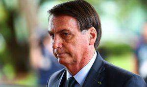"""Presidente Bolsonaro afirma que estamos no 'Finalzinho de pandemia"""". Na quarta-feira (9), foram 848 mortes"""