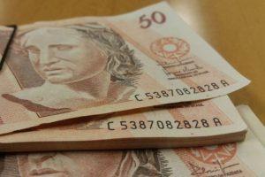 Mães solteiras terão direito a novo benefício de R$ 1.200?