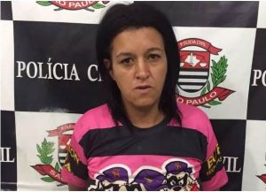 Mulher joga soda cáustica em policiais em Nova Odessa
